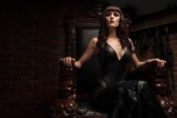 Bizrarrlady Elisabeth, Das Domizil der Gräfin 4
