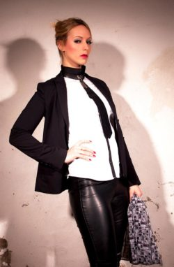 Miss KIARA - Das Domizil der Gräfin